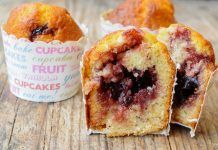 Muffins Légers Cœur Confiture WW Thermomix Desserts, No Cook Desserts, Delicious Desserts, Dessert Recipes, Pancake Muffins, Oat Muffins, Fruit Cupcakes, Yummy Cupcakes, Sweet Cooking