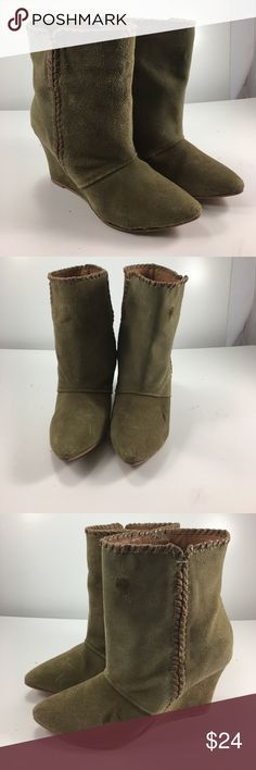 """💸Charles by Charles David leather ankle boot 7 💸Charles by Charles David leather ankle boots in size 7 heel height 3 1/4"""". Leather upper and lining with man made sole. Two small marks on left boot (see pics) priced accordingly Charles David Shoes Ankle Boots & Booties"""