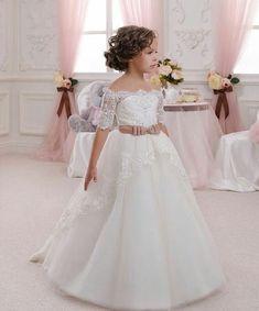 """""""Maravilhosa essa daminha que vi no @mae_festeira para inspirar as noivinhas. #festejarcomamor #noivado #bodas #miniwedding #weddingideas #daminhas…"""""""