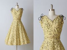 Vintage 1940s Dress / 40s Dress / Sleeveless by TheVintageMistress, $98.00. Lovely, simple and oh so girly.