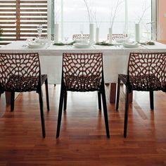 Chaise empilable en polycarbonate assise et dossier ajourés Lot de 2 GRUVYER port offert