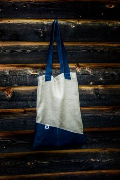 Tote made of linen and dark blue leather Old Clothes, Dark Blue, Reusable Tote Bags, Leather, Ropa Vieja, Deep Blue, Dark Teal, Vintage Clothing