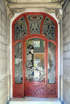 Stained glass in Art Nouveau in Barcelona ~