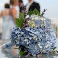 Simple and sweet hydrangea and limonium wedding flowers