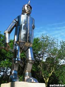 """LINCOLN Park, IL - Oz Park - """"Wizard of Oz"""" Statues {Only in America. From the amazing to the utter rubbish via Roadside America}"""