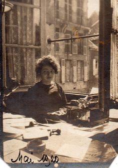 Photographie Anonyme Vintage Snapshot Secrétaire Machine Écrire Dactylo Bureau | eBay
