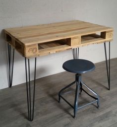 Hairpin legs 3 branches, pied en épingle en acier - Fabrication Française Drafting Desk, Branches, Pallet, Kitchen Ideas, Diy And Crafts, Industrial, Furniture, Home Decor, Wood