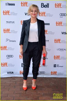 Amy Poehler: 'You Are Here' Premiere at Toronto Film Festival! | amy poehler you are here premiere at toronto film festival 01 - Photo