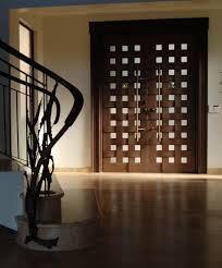 puertas modernas entrada hierro - Buscar con Google Modern Entrance, Modern Front Door, Entrance Doors, Wooden Door Design, Front Door Design, Wooden Doors, Interior Barn Doors, Exterior Doors, Exterior Design