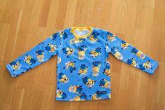 T-shirt i Minionerna med gul mudd. Blouse, T Shirt, Tops, Women, Fashion, Supreme T Shirt, Moda, Tee Shirt, Fashion Styles