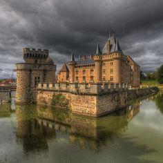 La Clayette castle - Château La Clayette, Burgundy, France by Beautiful Castles, Beautiful Buildings, Beautiful Places, Castle Ruins, Medieval Castle, Oh The Places You'll Go, Places To Visit, Photo Chateau, French Castles