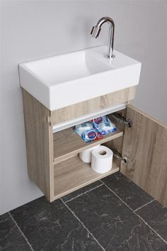 Thebalux toiletmeubel: opbergruimte in de wc, Bathroom Styling, Bathroom Interior Design, Bathroom Storage, Small Bathroom, Master Bathroom, Silver Bathroom, Bathroom Wall, Wc Decoration, Wc Design