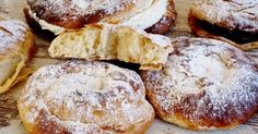 Aprende a hacer las ensaimadas de Mallorca. ¡Las auténticas! No Bake Desserts, Delicious Desserts, Dessert Recipes, Mexican Sweet Breads, Mexican Food Recipes, Beignets, Bakery Recipes, Cooking Recipes, Donuts