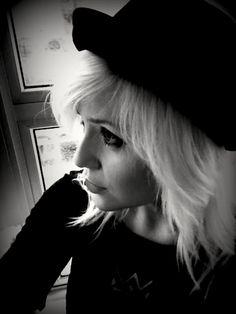 M † C B Bowler Hat Blonde Hair