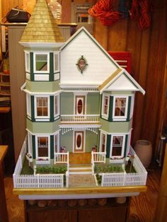 Beautiful Victorian Dollhouse Customized From Kit Victorian Dolls, Victorian Dollhouse, Modern Dollhouse, Miniature Houses, Miniature Dolls, Dollhouse Kits, Dollhouse Miniatures, Real Good Toys, Diy And Crafts