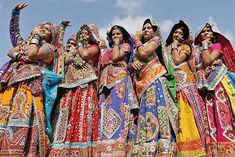 India celebrates Navratri: Pics (© Reuters)