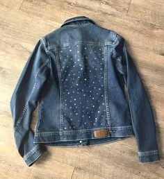 Linen Shirt Dress, Jeans Dress, Denim Jacket Embroidery, Painted Denim Jacket, Denim Ideas, Clothing Hacks, Vintage Jeans, Denim Outfit, Denim Fabric