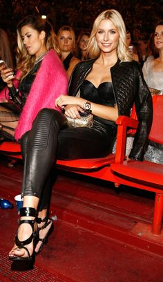 Lena Gercke wears tight black leather pants and a black leather jacket at Intimissimi On Ice opera/pop show in Verona Sexy Winter Outfits, Winter Skirt Outfit, Leather Pants Outfit, Black Leather Pants, Custom Leather Jackets, Bollywood, Leder Outfits, Glamour, Leggings Are Not Pants