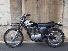 MOTOCICLETTE, MEMORABILIA ED ALTRO ANCORA: Yamaha Scrambler Brat Style