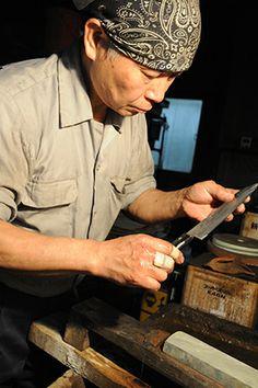 Blacksmith Masanobu-san.