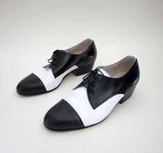 Vintage shoes black and white tuxedo mens oxfords size by nemres, $58.00