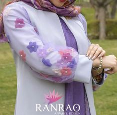 Sleeves Designs For Dresses, Dress Neck Designs, Stylish Dress Designs, Sewing Collars, Modele Hijab, Iranian Women Fashion, Hijab Fashionista, Pakistani Wedding Outfits, Hijab Style