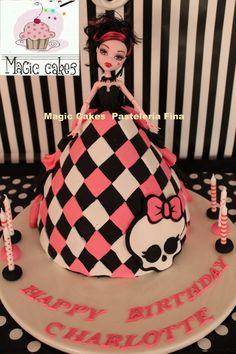 Promoción! Hermosas Tortas Monster High + 15 Cupcakes! - S/. 140,00 en MercadoLibre
