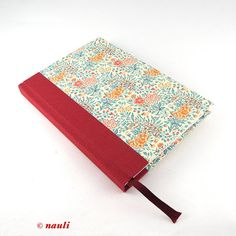 Nauli® is happy to present our Planners / Calendars for 2018 in beautiful floral design!  With a size of approx. 4,3x6,3 inch this calendar provides enough space for all your important notes and its still small enough to take it everywhere. The Weekly-Planner has a year and month overview and an address registry.  It is a real World Calendar knowing several languages and holidays.  Product: Weekly Planner - each week a double-page Size: approx. 4,3x6,3 inch (11cm x 16cm) Extras: year and...