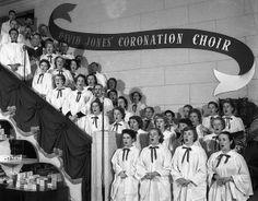 David Jones' Coronation Choir singing in the Elizabeth Street store, Sydney, June 1953 Old Pictures, Old Photos, The 'burbs, Elizabeth Street, British Monarchy, David Jones, Sydney Australia, Choir, Past