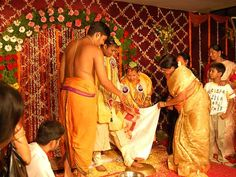 All about Andhra Pradesh Wedding - Andhra Pradesh feature a vast and rich cultural heritage that is widely reflected in its ceremonies.
