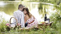 Avery & Jasmin – Outdoor engagement Photography (Picnic Theme Photo Shoot)