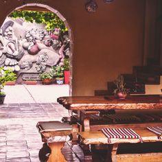 Puerta con vista al patio en Villa Vicuña Cafayate