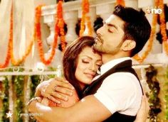 Maan and Geet Love Couple, Best Couple, Gurmeet Choudhary, Drashti Dhami, Indian Movies, Unconditional Love, Best Tv, Couple Pictures, Namaste