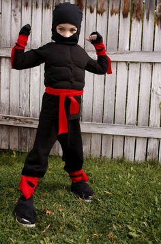 Make ninja costume yourself maskerix.de - Make ninja costume yourself Costume idea for carnival, Halloween & carnival