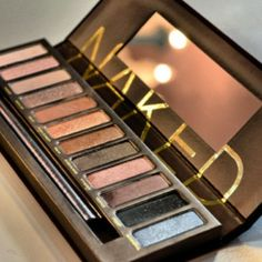 Obsessed with my Naked Palette by Urban Decay! Beauty Must Have!!!