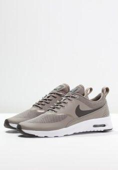 Dieser Sneaker ist ein echter Klassiker. Nike Sportswear AIR MAX THEA - Sneaker low - iron/dark storm/white für 119,95 € (03.02.16) versandkostenfrei bei Zalando bestellen.