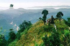 Chùa Yên Tử nằm trên ngọn núi Yên Tử cao đến 1.068m so với mực nước biển thuộc xã Thượng Yên Công, Uông Bí, Quảng Ninh.
