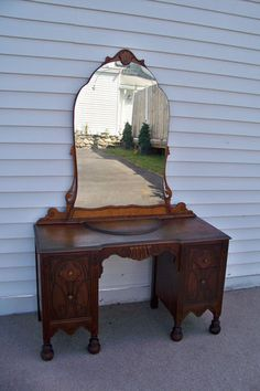 Antique Vanity 4 Drawers With Large Round Mirror Nice