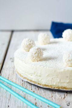 Nepečený raffaello cheesecake Vanilla Cake, Sweets, Desserts, Food, Raffaello, Tailgate Desserts, Deserts, Gummi Candy, Candy