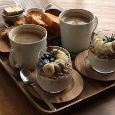 Perfect recipe for the Spring! Yummy breakfast for a he., frühstück Perfect recipe for the Spring! Yummy breakfast for a he. Think Food, I Love Food, Yummy Snacks, Yummy Food, Tasty, Yummy Yummy, Tumblr Food, Food Goals, Cafe Food