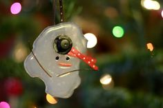 Melted snowman ornaments! too cute