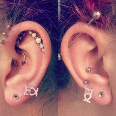 WE LOVEE ears full of piercings. What's your favorite ear piercing?