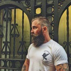 The Beard & The Beautiful Trimmed Beard Styles, Faded Beard Styles, Beard Styles For Men, Hair And Beard Styles, Shaved Head With Beard, Bald With Beard, Beard Fade, Beards And Mustaches, Moustaches