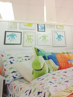 Dinosaur hand art framed in room! Big Boy Bedrooms, Baby Boy Rooms, Baby Boy Nurseries, Kids Bedroom, Bedroom Ideas, Bedroom Decor, Boys Dinosaur Bedroom, Dinosaur Nursery, Dinosaur Dinosaur