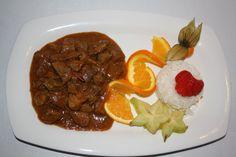 Ternera al curry Thai con arroz Basmati.   -Restaurante HPC Porto Colom-