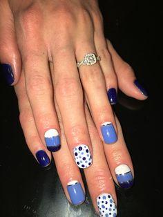 Blue and white gel polish design