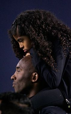 """""""Rest In Peace Kobe & Gigi 💜💛 I could only imagine the pain Vanessa and their family going through right now man shit really sucks and hurt a lot 💔💔💔"""" Kobe Bryant And Wife, Kobe Bryant Daughters, Kobe Bryant Family, Kobe Bryant Nba, Kobe Bryant Quotes, Kobe Bryant Pictures, Vanessa Bryant, Lakers Kobe, Kobe Lebron"""
