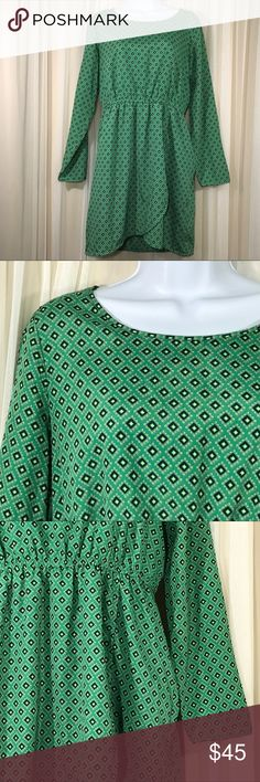 J. Crew Green Geometric Dress Hi Lo Wrap Skirt Women's J. Crew Green Geometric Dress. Hi Lo Wrap Skirt. Long Sleeves. Elastic waist. Fully lined. 100% Polyester. Size Small.  Gently used condition. No stains, tears, or holes. No fading. See pictures for details. All measurements are taken with item laying flat. Measurements:  Chest (underarm to underarm)-  19 inches  Length (back neck seam to bottom)- 34 inches  Sleeve - 23.5 inches  Waist - 15 inches 📦📦FAST SHIPPING!! I strive for same…