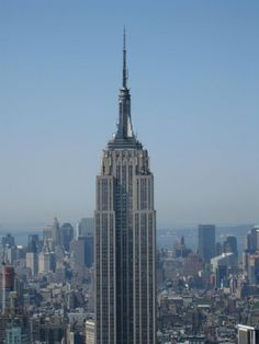 Empire State Building - 1,250 ft (381 m) - New York City - http://www.placesofusa.com/new-york/new-york-city/