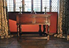 A FINE CHARLES II OAK BOX/COUNTER TABLE. CIRCA 1670.